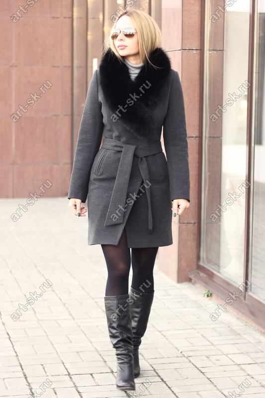 Женское пальто с мехом песца зима 2018 серое