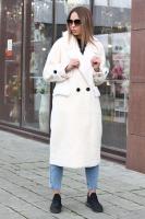 Куртка-пуховик с мехом и нашивками