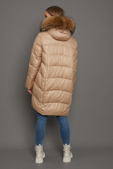 Зимняя женская куртка Chanevia красивого цвета с мехом