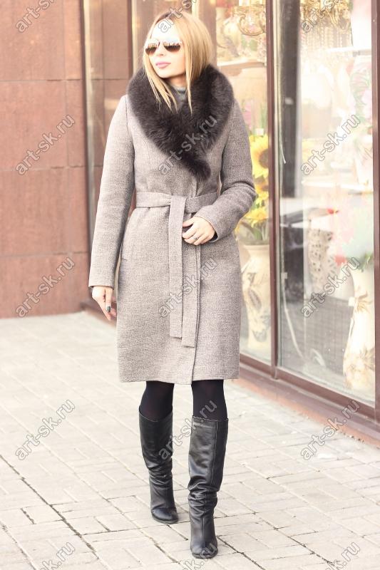 Длинное пальто с песцом зима 2019-2020