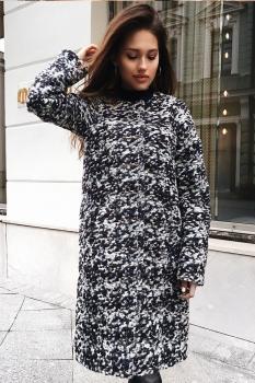 Осеннее пальто с округлым вырезом