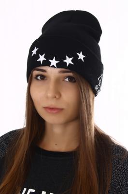 Модная шапка со звездами