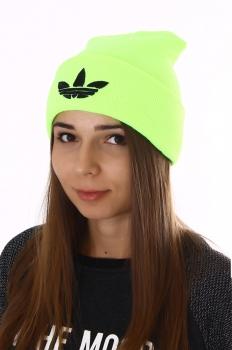 Салатовая шапка адидас женская