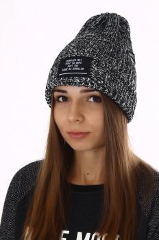 Вязаная шапка шерстяная женская