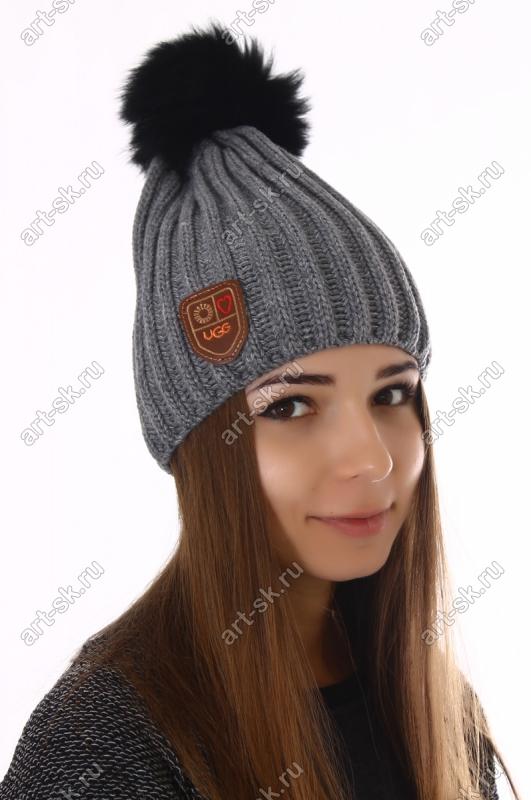 Темно серая шапка Угг женская