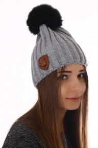 Вязаная теплая шапка Угг