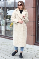 Бежевое женское пальто