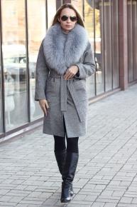 Женское зимнее пальто с меховым воротником из песца
