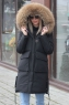 Черное зимнее пальто 2019-2020 с меховыми карманами