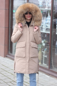 Модная длинная куртка с капюшоном бежевого цвета