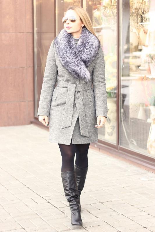 Теплое пальто с мехом на зиму 2019